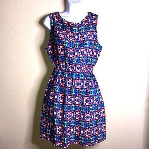 Colorful dress by Feathers, zipper pocket, size L